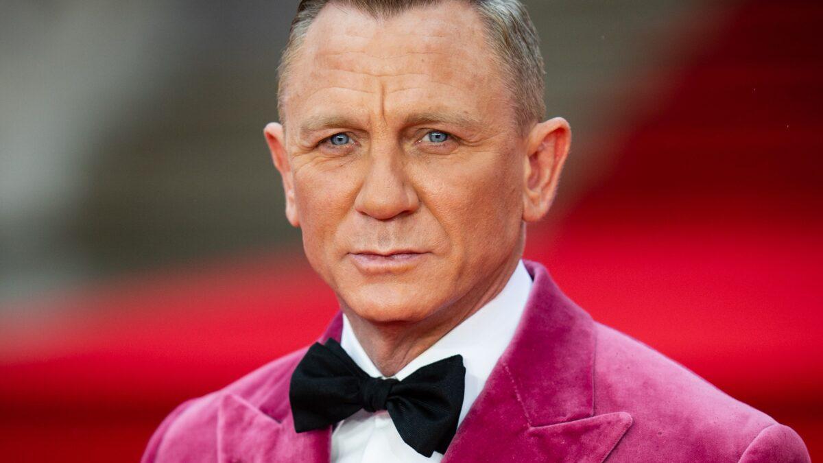 Daniel Craig, James Bond Star Gets Hollywood Walk Of Fame Star