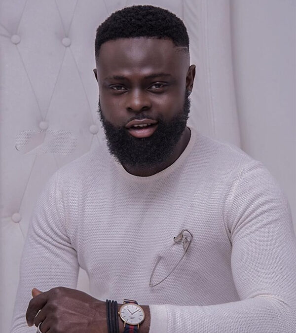 """Yomi Casual Tells 21st-Century Celebrities To """"Respect Those Who Made It Without Social Media"""""""